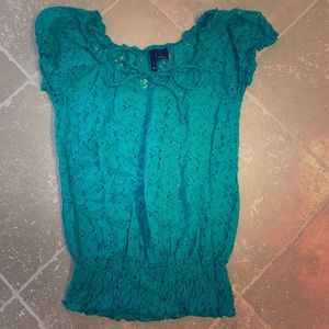 New directions top size small